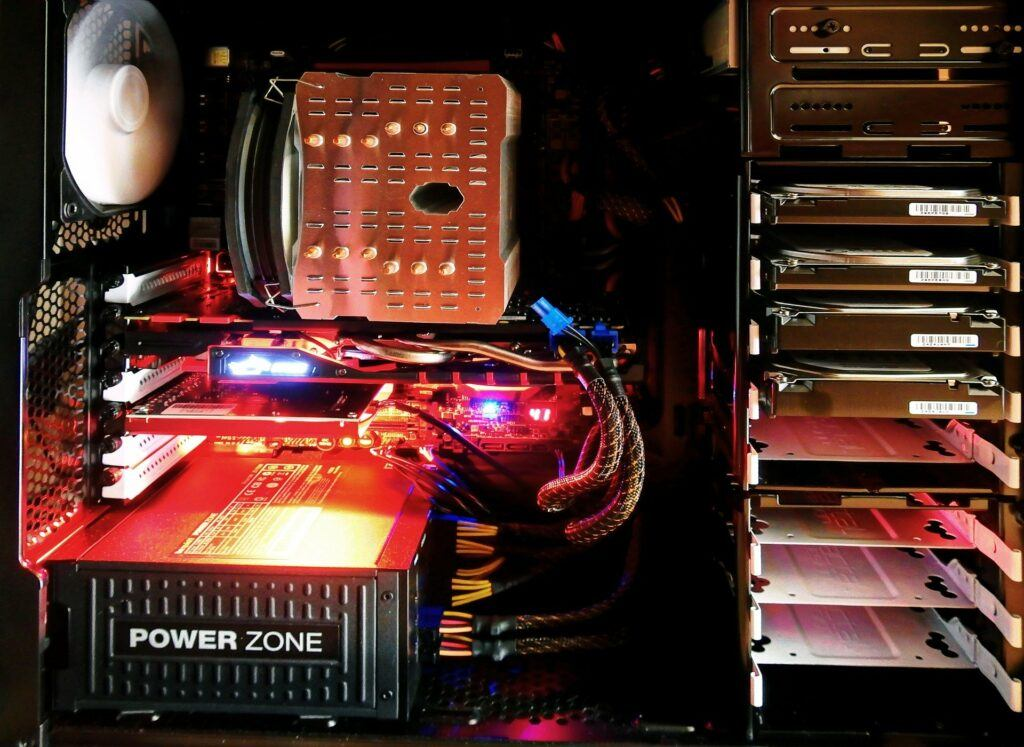 Computer storage – What is the difference between SSD and HDD